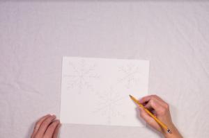 Draw snowflake designs